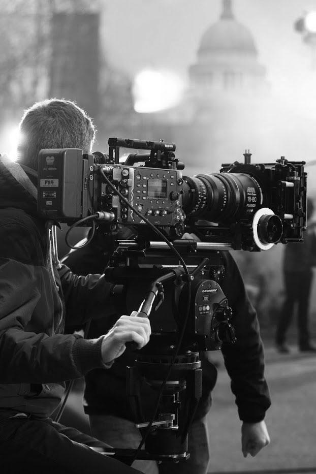 Scenarist regizor reclame videoclipuri spoturi publicitate